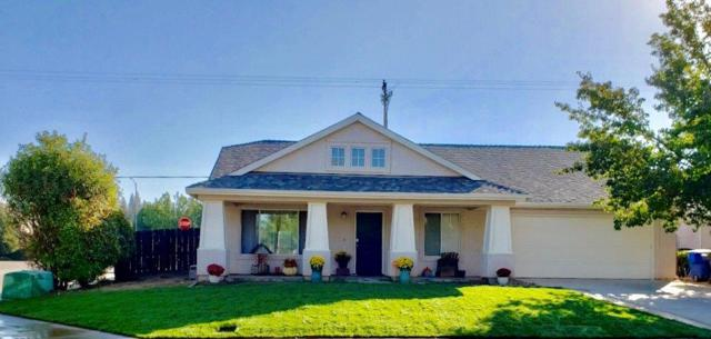 152 Claremont Avenue, Sanger, CA 93657 (#512364) :: Soledad Hernandez Group