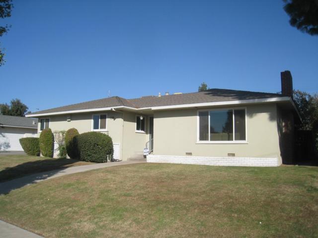 2922 N Ila Avenue, Fresno, CA 93705 (#512462) :: Soledad Hernandez Group