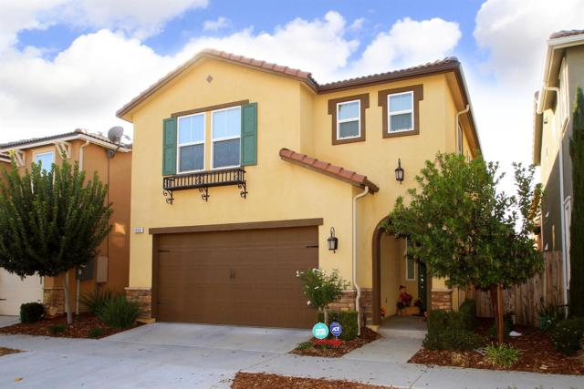 1552 N Sanders Avenue, Clovis, CA 93619 (#512512) :: Raymer Realty Group