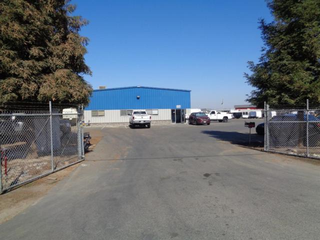 4444 E Lincoln Avenue, Fresno, CA 93725 (#512943) :: FresYes Realty
