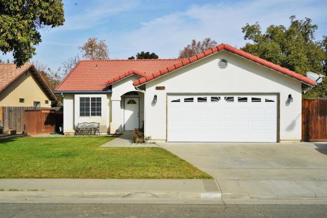 944 Cedarwood Street, Hanford, CA 93230 (#513105) :: FresYes Realty