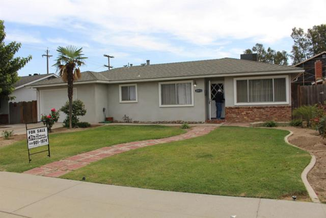 2013 Hillcrest Street, Selma, CA 93662 (#513141) :: FresYes Realty