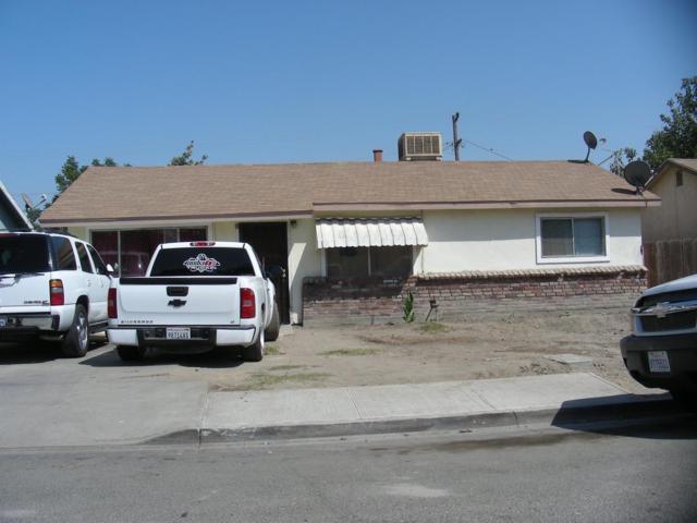 1845 Estes Avenue, Corcoran, CA 93212 (#513278) :: Soledad Hernandez Group