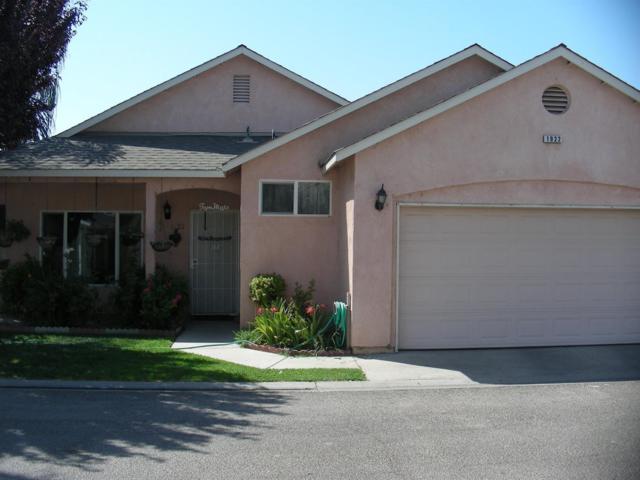 1922 Azalea Street, Corcoran, CA 93212 (#513337) :: Soledad Hernandez Group
