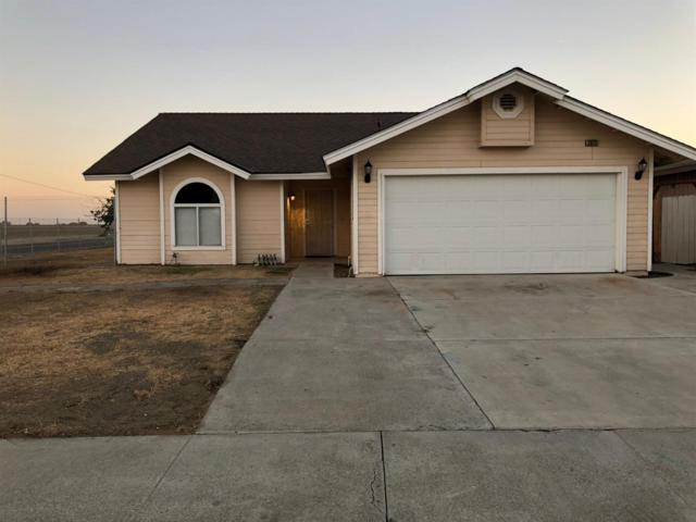 20211 5Th Street, Stratford, CA 93266 (#513437) :: Soledad Hernandez Group