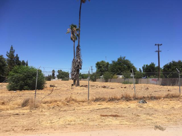 3484 W Shields Avenue, Fresno, CA 93722 (#513503) :: FresYes Realty