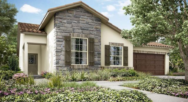 1015 S Orangewood Drive #93, Fresno, CA 93727 (#513567) :: FresYes Realty