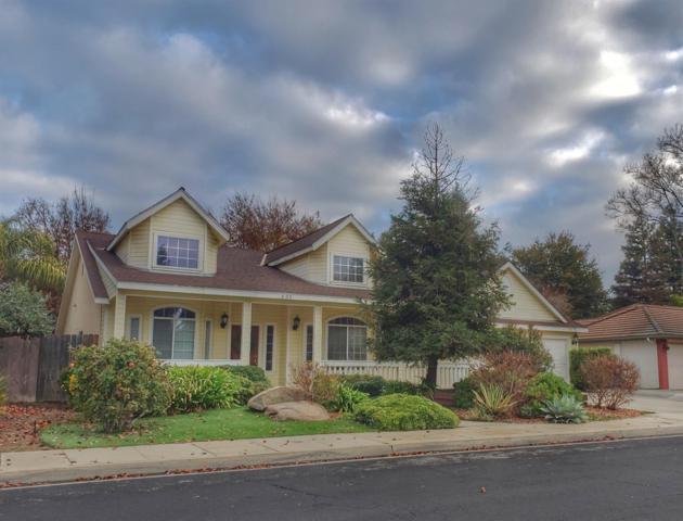 695 Bedford Avenue, Clovis, CA 93611 (#514790) :: Soledad Hernandez Group