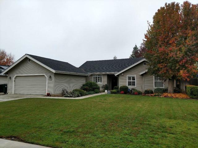 1220 N Newton Drive, Dinuba, CA 93618 (#514860) :: Soledad Hernandez Group