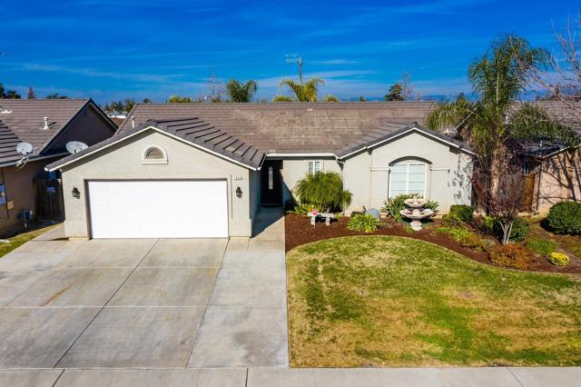 1848 Heidi Avenue, Sanger, CA 93657 (#515637) :: Raymer Realty Group