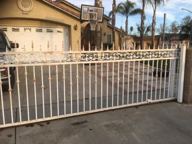 110 Candice Avenue, Parlier, CA 93648 (#515929) :: Soledad Hernandez Group