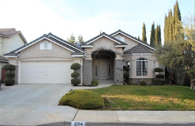 2134 E Palisade Drive, Fresno, CA 93720 (#516132) :: FresYes Realty