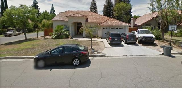 8167 Barton, Fresno, CA 93720 (#516196) :: Raymer Realty Group