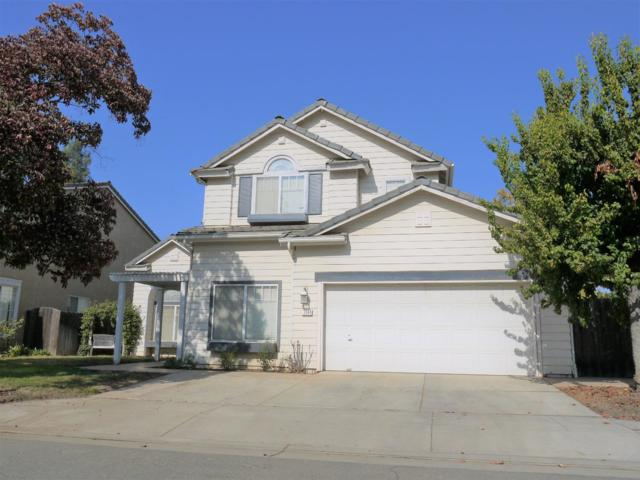 2244 E Serena Avenue, Fresno, CA 93720 (#516373) :: FresYes Realty