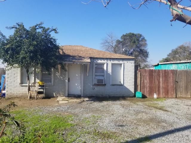 32447 Lincoln Road, Visalia, CA 93291 (#516634) :: Soledad Hernandez Group