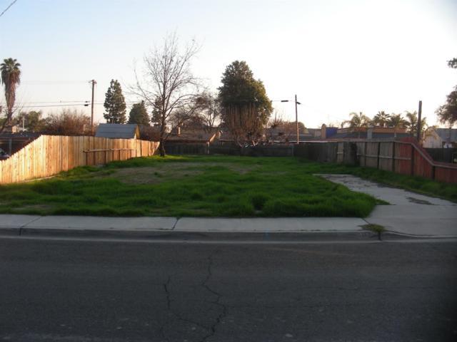 91 Magnolia Avenue E, Lemoore, CA 93245 (#516924) :: Soledad Hernandez Group