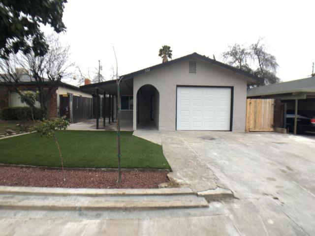 322 W Pinedale Avenue, Pinedale, CA 93650 (#517026) :: Soledad Hernandez Group