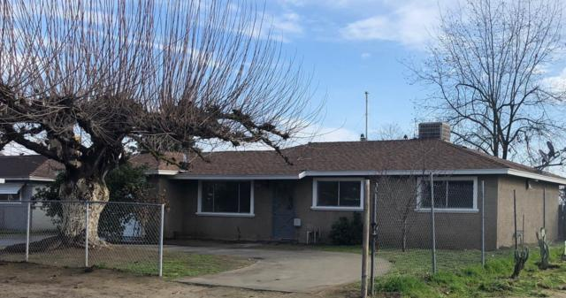 10138 S Highland Avenue, Selma, CA 93662 (#517063) :: Soledad Hernandez Group