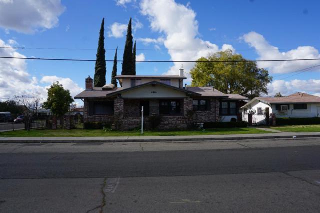 2343 Locust Street, Selma, CA 93662 (#517599) :: Soledad Hernandez Group