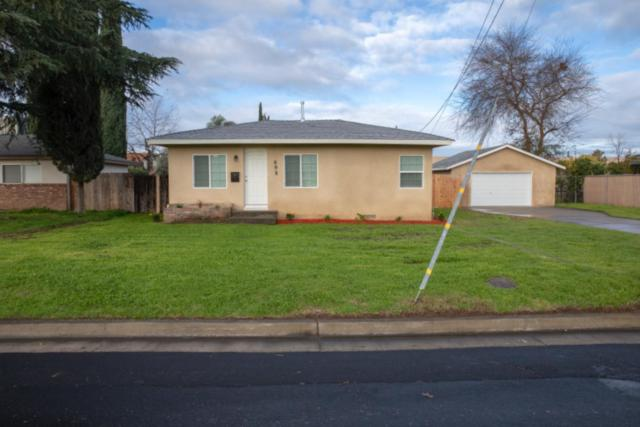 698 Oxford Avenue, Clovis, CA 93612 (#517625) :: FresYes Realty