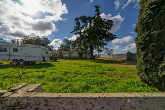 2245 W Church Avenue, Fresno, CA 93706 (#517652) :: Soledad Hernandez Group