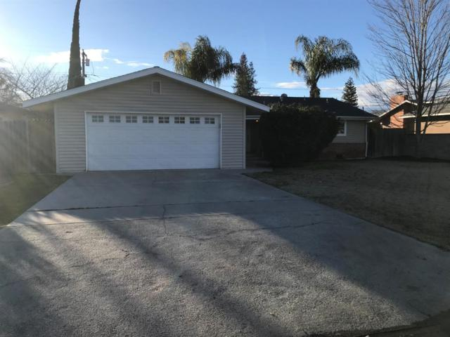 2511 17Th Avenue, Kingsburg, CA 93631 (#517655) :: Soledad Hernandez Group