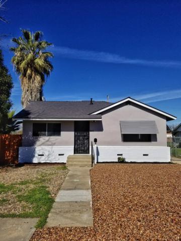 1569 E Marion Way, Dinuba, CA 93618 (#517661) :: Soledad Hernandez Group