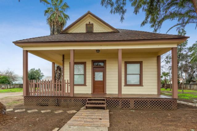 2260 S Geneva Avenue, Fresno, CA 93706 (#517667) :: Soledad Hernandez Group