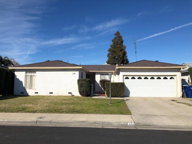 371 W Swift Avenue, Clovis, CA 93612 (#517737) :: Soledad Hernandez Group