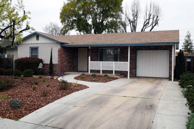 3235 Mayfair Drive N, Fresno, CA 93703 (#517756) :: Soledad Hernandez Group