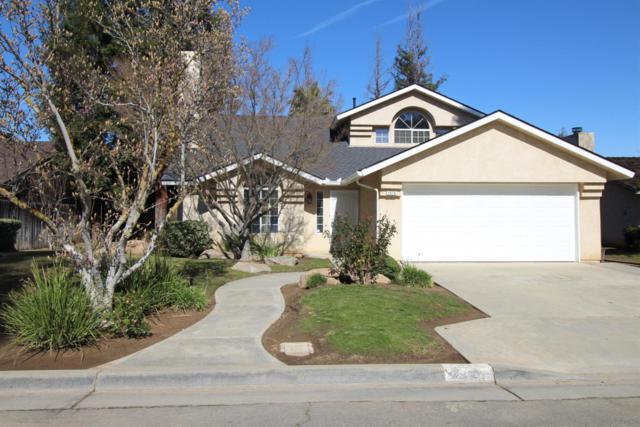 1878 E Deyoung Drive, Fresno, CA 93720 (#517787) :: Soledad Hernandez Group