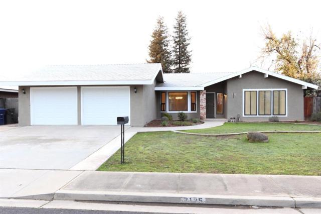 2125 Holt Avenue, Sanger, CA 93657 (#517825) :: Soledad Hernandez Group