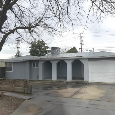 4289 N Anna Street, Fresno, CA 93726 (#517830) :: Soledad Hernandez Group