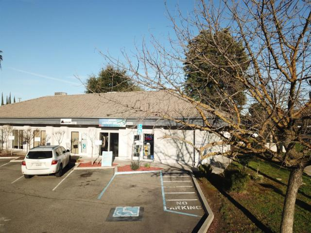 4904 N Cedar Avenue, Fresno, CA 93726 (#517832) :: Soledad Hernandez Group