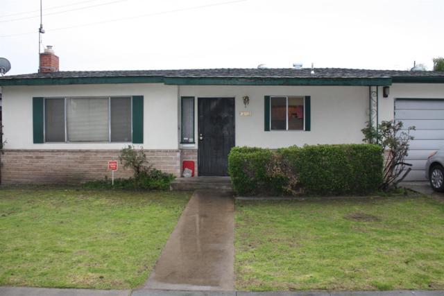 2320 E Dakota Avenue, Fresno, CA 93726 (#517835) :: Soledad Hernandez Group