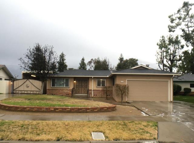 4486 N Ila Avenue, Fresno, CA 93705 (#517842) :: Soledad Hernandez Group