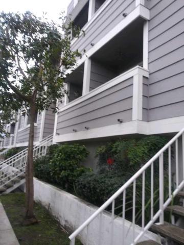13340 Burbank #3, Out Of Area, CA 91401 (#517843) :: Soledad Hernandez Group