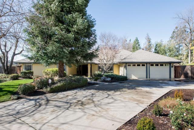 8811 N Ione Avenue, Fresno, CA 93720 (#517897) :: Soledad Hernandez Group