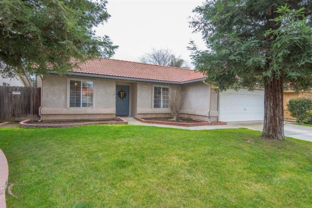5555 W Mesa Avenue, Fresno, CA 93722 (#517908) :: Soledad Hernandez Group