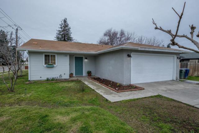 1396 Browning Avenue, Clovis, CA 93612 (#517924) :: Soledad Hernandez Group