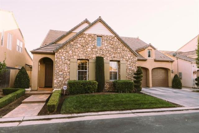 82 W Serena Avenue, Clovis, CA 93619 (#517942) :: Soledad Hernandez Group