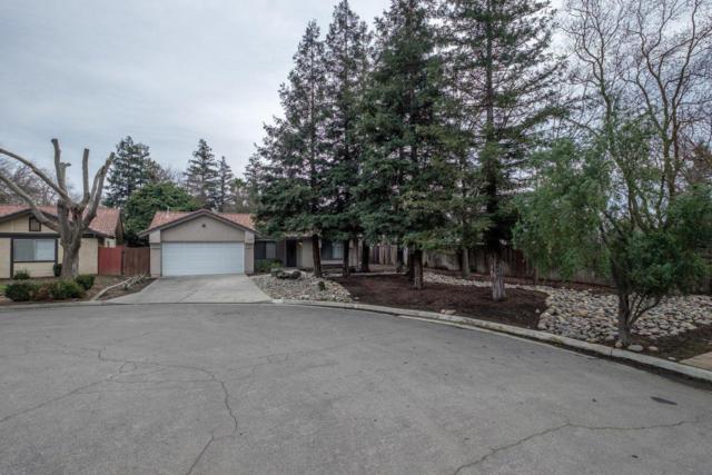 6102 N Ivanhoe Avenue, Fresno, CA 93722 (#517943) :: Soledad Hernandez Group