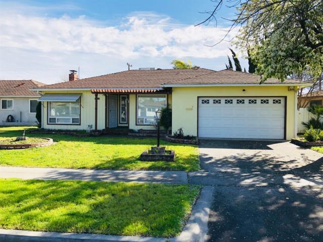 3004 N Wolters Avenue, Fresno, CA 93703 (#517951) :: Soledad Hernandez Group