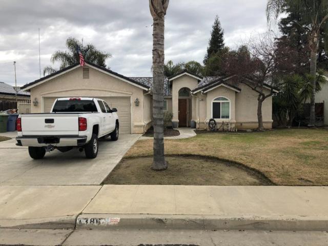 1386 Northhill Street, Selma, CA 93662 (#517961) :: Soledad Hernandez Group