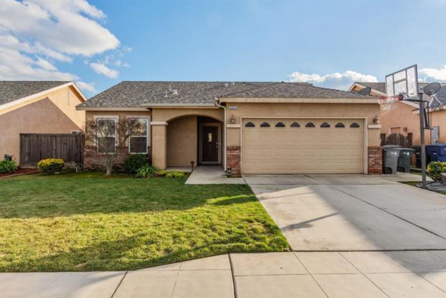5345 W Norwich Avenue, Fresno, CA 93722 (#517990) :: FresYes Realty