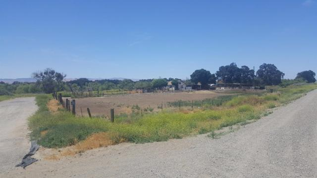 13625 Carpenter Rd, Patterson, CA 95313 (#518002) :: FresYes Realty