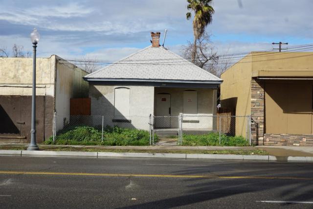 471 E Belmont Avenue, Fresno, CA 93701 (#518984) :: FresYes Realty