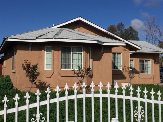 855 12th Street, Orange Cove, CA 93646 (#519078) :: FresYes Realty