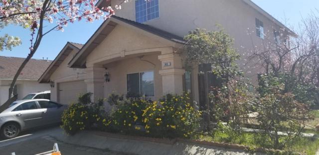 345 E El Paso Avenue, Fresno, CA 93720 (#519338) :: FresYes Realty