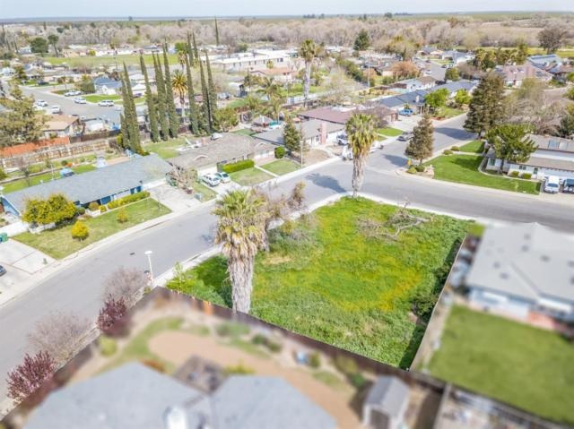 1860 E Cardella Street, Firebaugh, CA 93622 (#519386) :: Raymer Realty Group